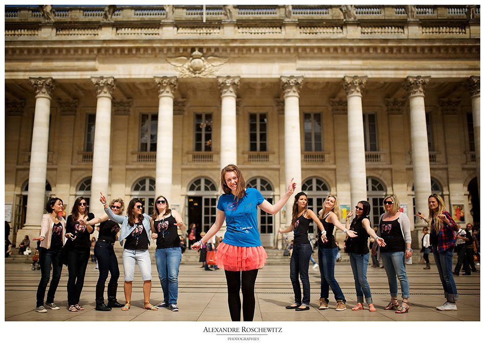 Les photos de la séance EVJF de Marine à Bordeaux centre, du Jardin public au Miroir d'eau. Alexandre Roschewitz Photographies
