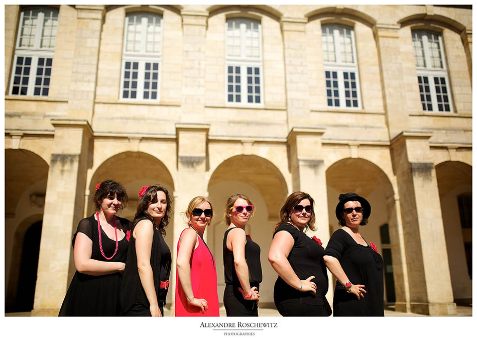 Teaser des photos de la séance EVJF de Frédérique à Bordeaux centre, du Jardin public au Miroir d'eau. Alexandre Roschewitz Photographies