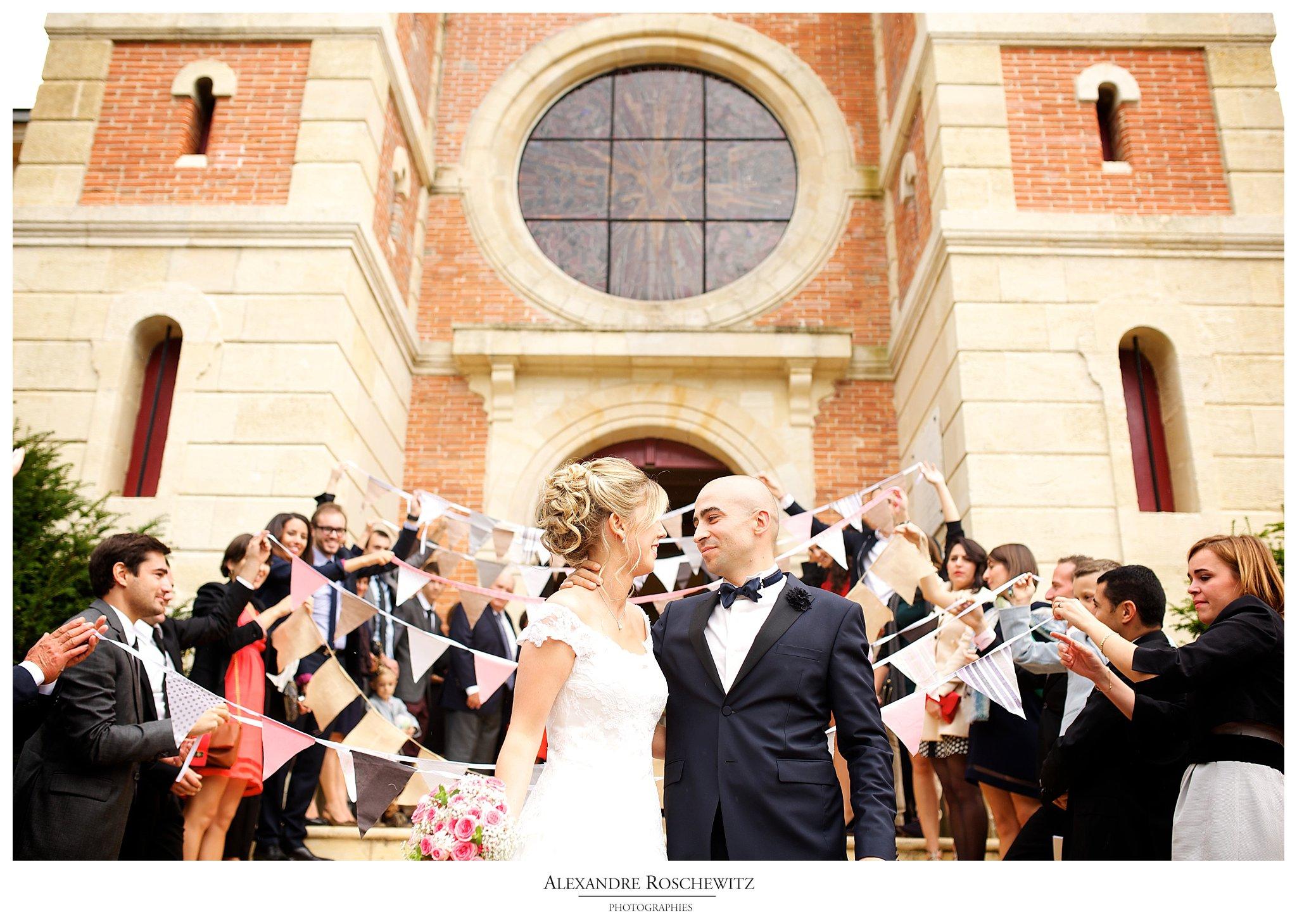 Un teaser des photos du mariage d'angélique et Aurélien à Arcachon, et à la Villa La Tosca à Lanton. Organisation par BODA Etc. Photos par Alexandre Roschewitz Photographies.
