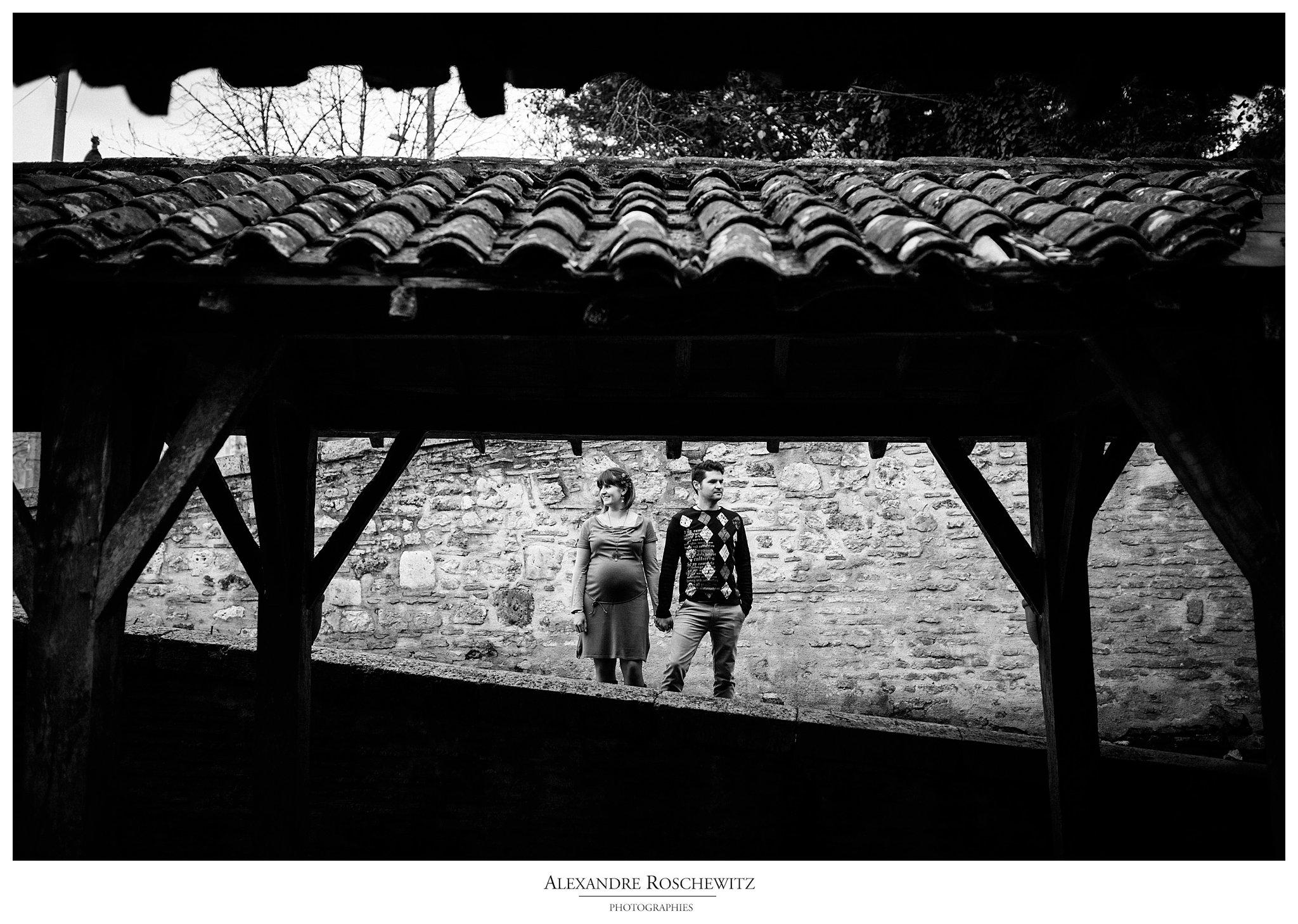 Un aperçu de la séance grossesse de Carine et Vincent à Sainte-Gemme. Alexandre Roschewitz Photographies.