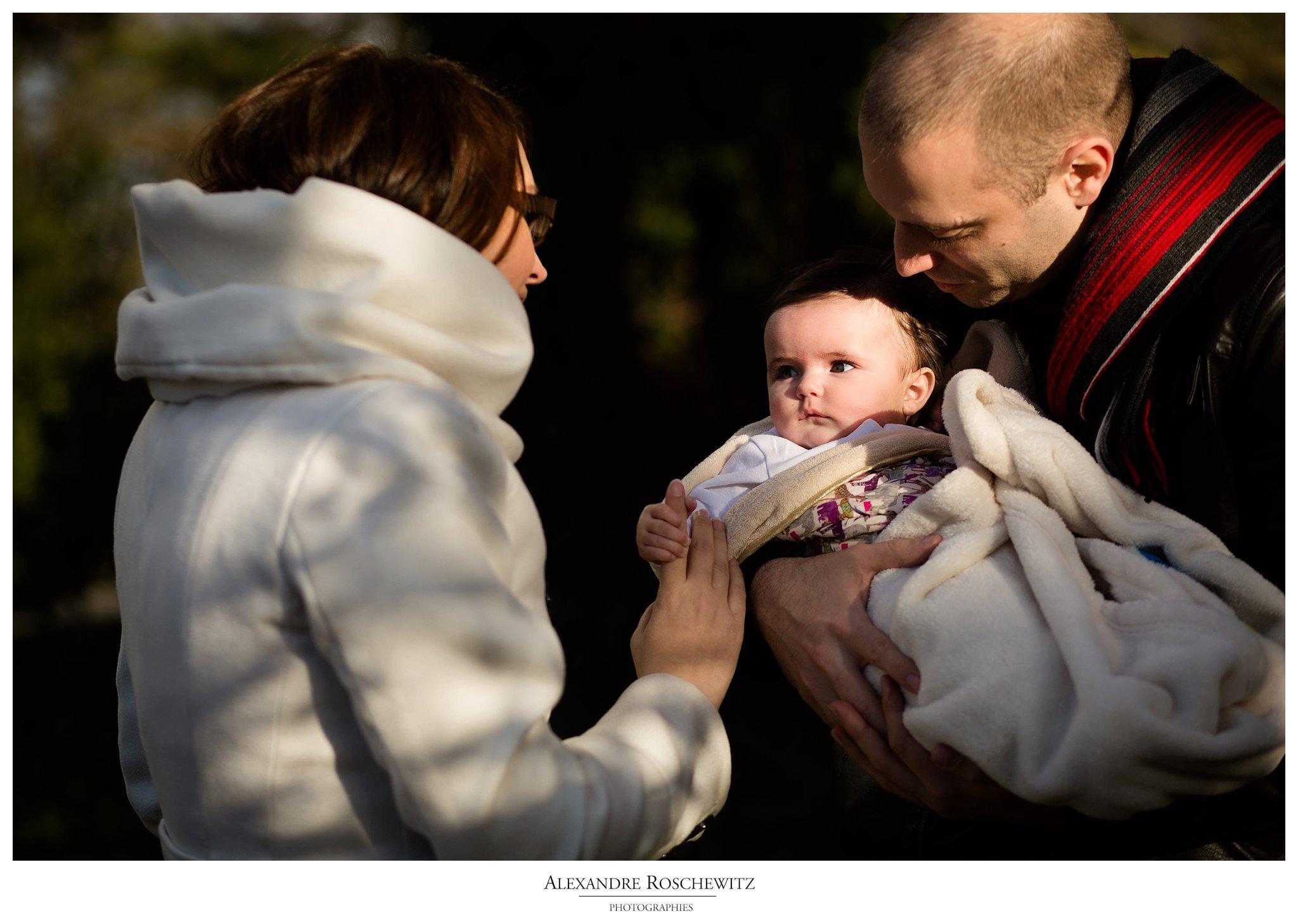 La séance famille de Sandy, Gabriel et Tess au Parc Floral de Bordeaux, pour finir aux quais. Alexandre Roschewitz Photographies.