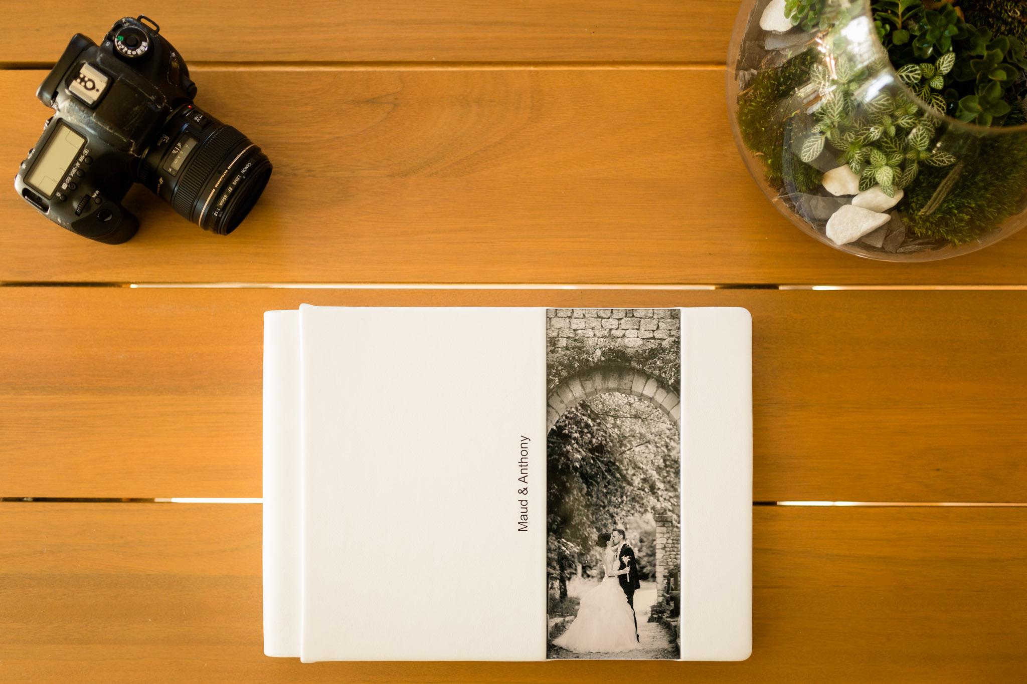 livre-photo-mariage-cuir-photographe-bordeaux-gironde-33_01