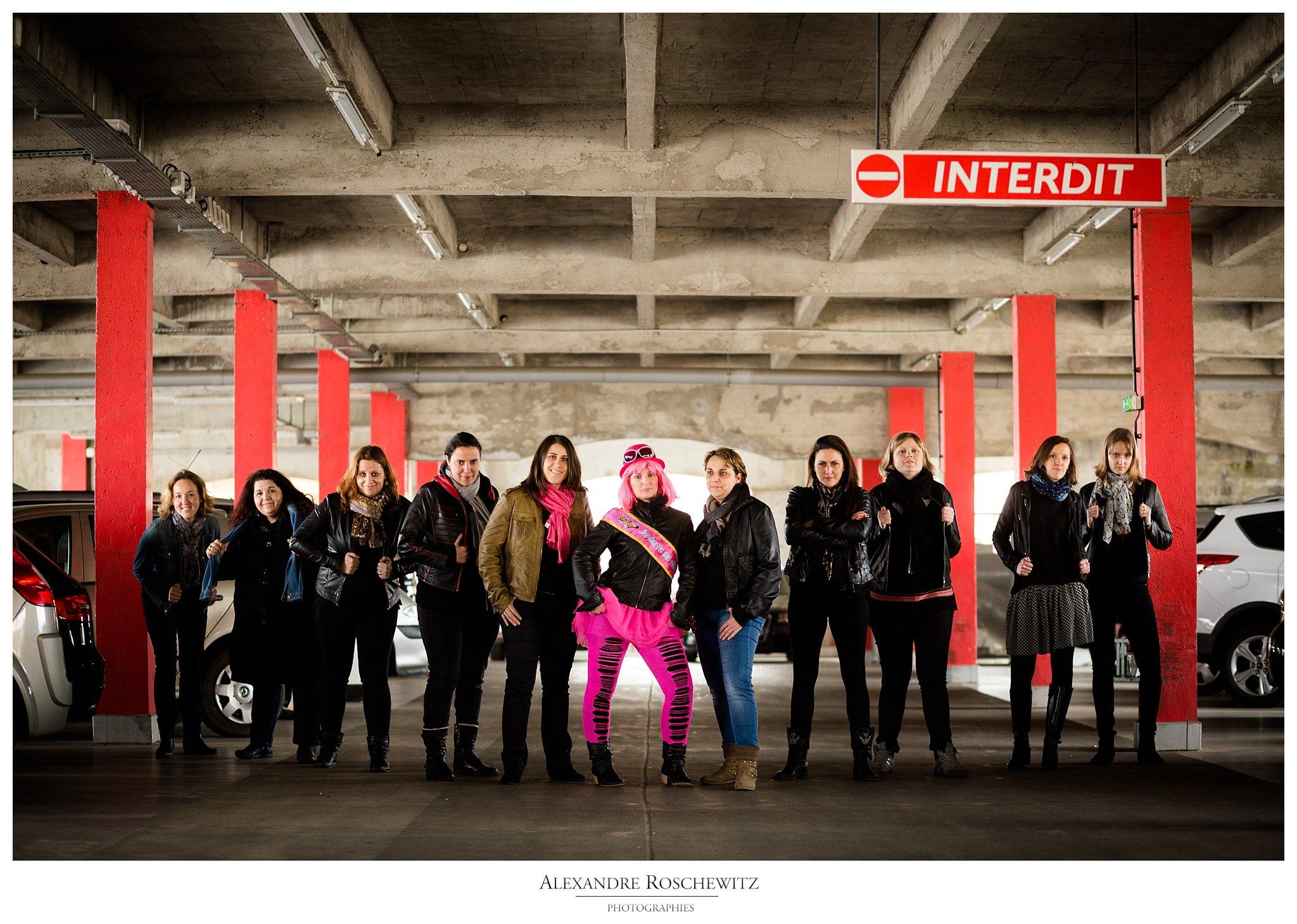 Un teaser de la séance photo à Bordeaux centre de Chrystelle et ses 10 amies. Alexandre Roschewitz Photographies