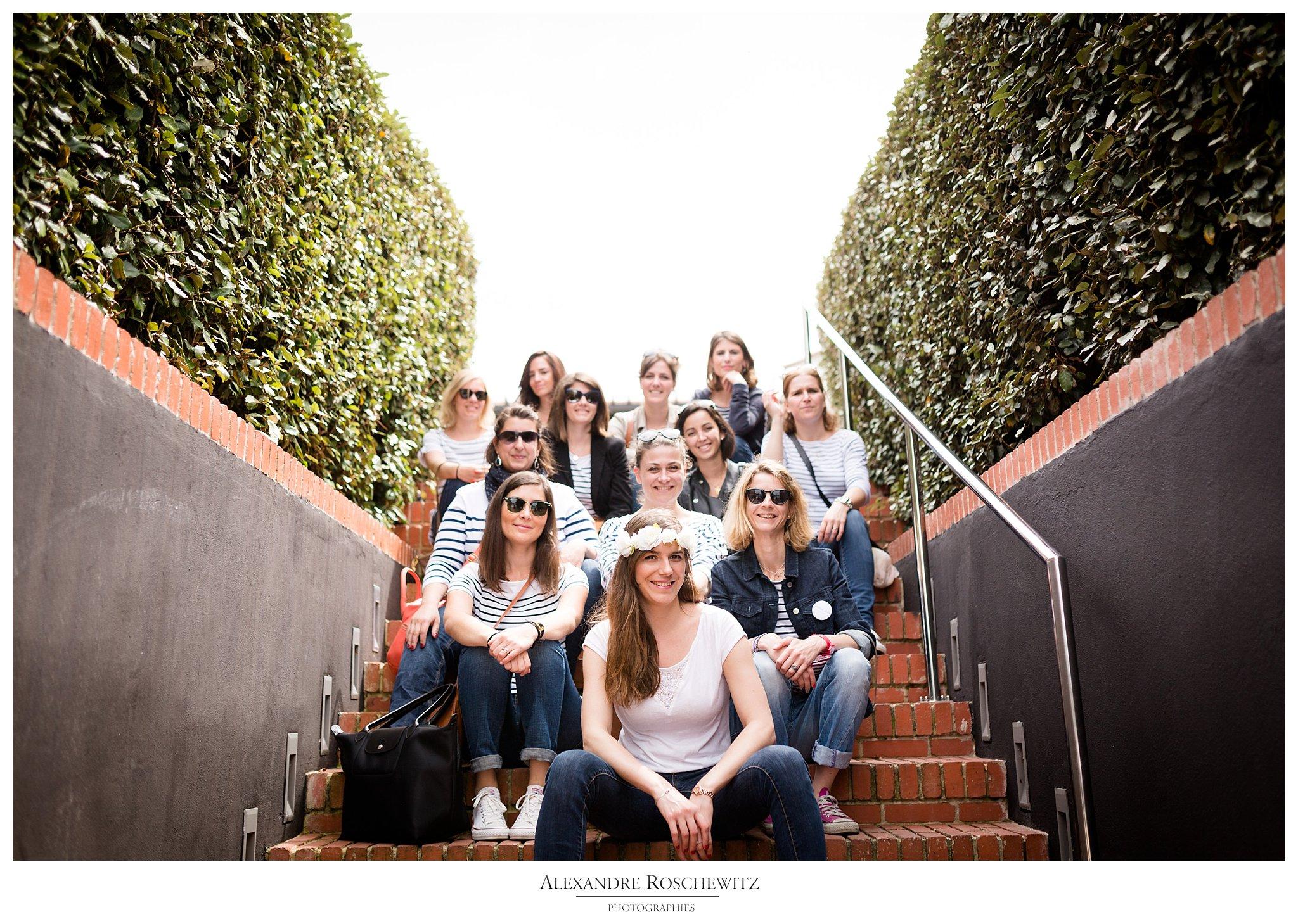 Un aperçu de la séance photos EVFJ de Marion à la Dune du Pilat, avec 11 de ses amies. Alexandre Roschewitz Photographies