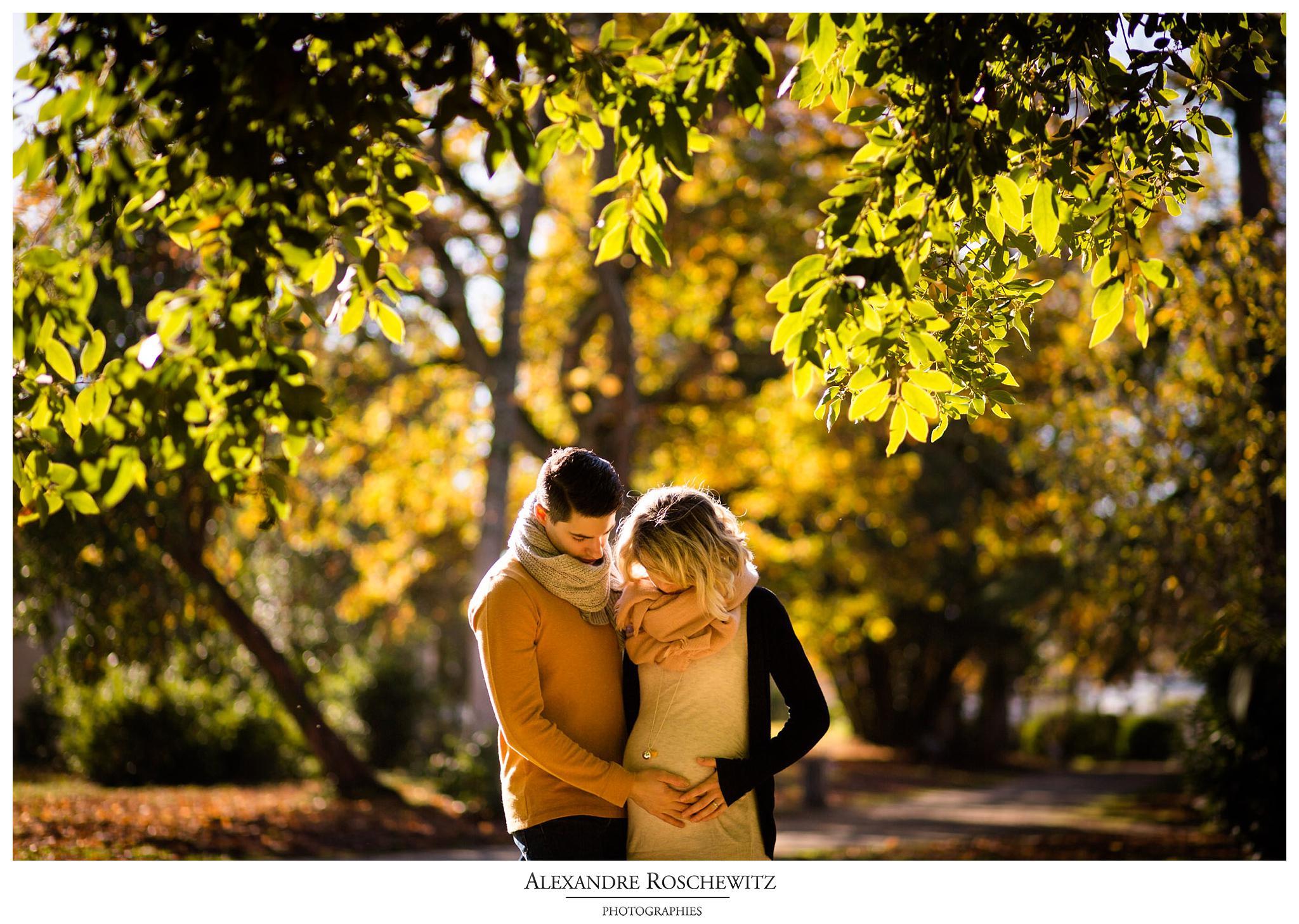 Les photos de grossesse de Gwladys et Nicolas eu Parc de la Chênerais, Le Bouscat, après son mariage en août dernier. Alexandre Roschewitz Photographies