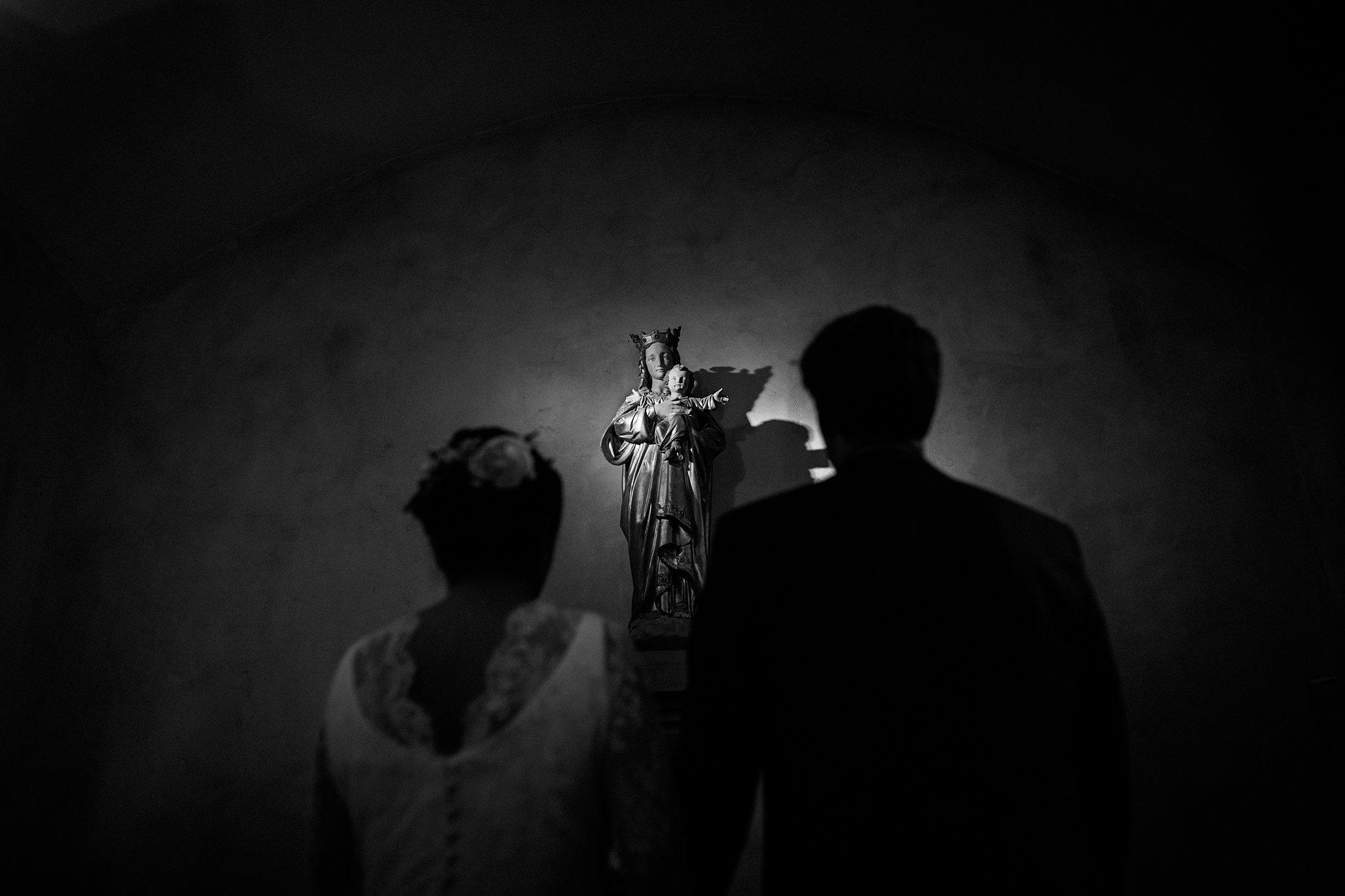 Un teaser des photos du mariage de Maud dans sa robe Constance Fournier et Antoine au Tir au Vol d'Arcachon et l'Eglise Saint-Eloi d'Andernos.