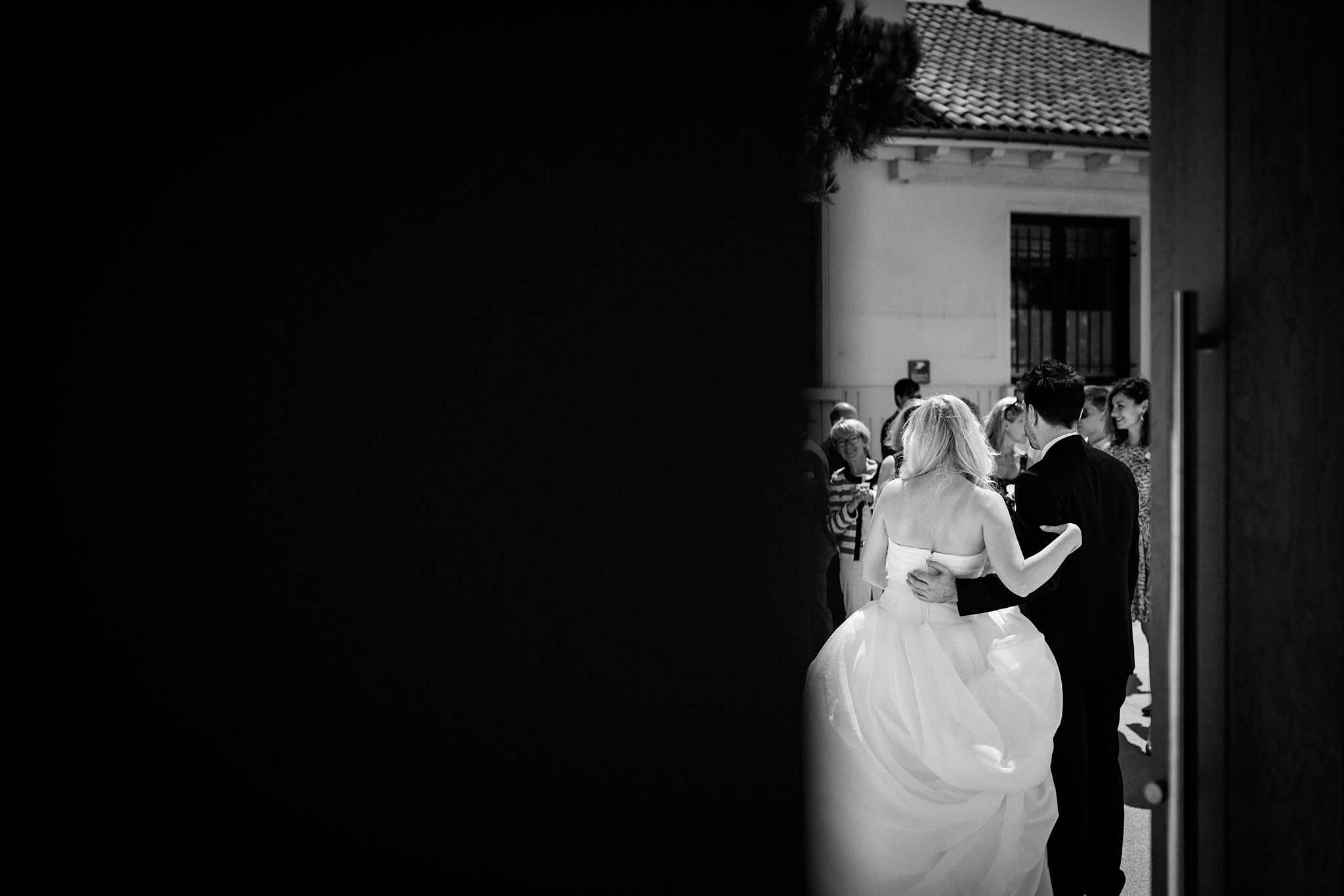 Les photos du mariage franco-slovaque de P+X au Château de la Ligne en Gironde. Alexandre Roschewitz Photographies