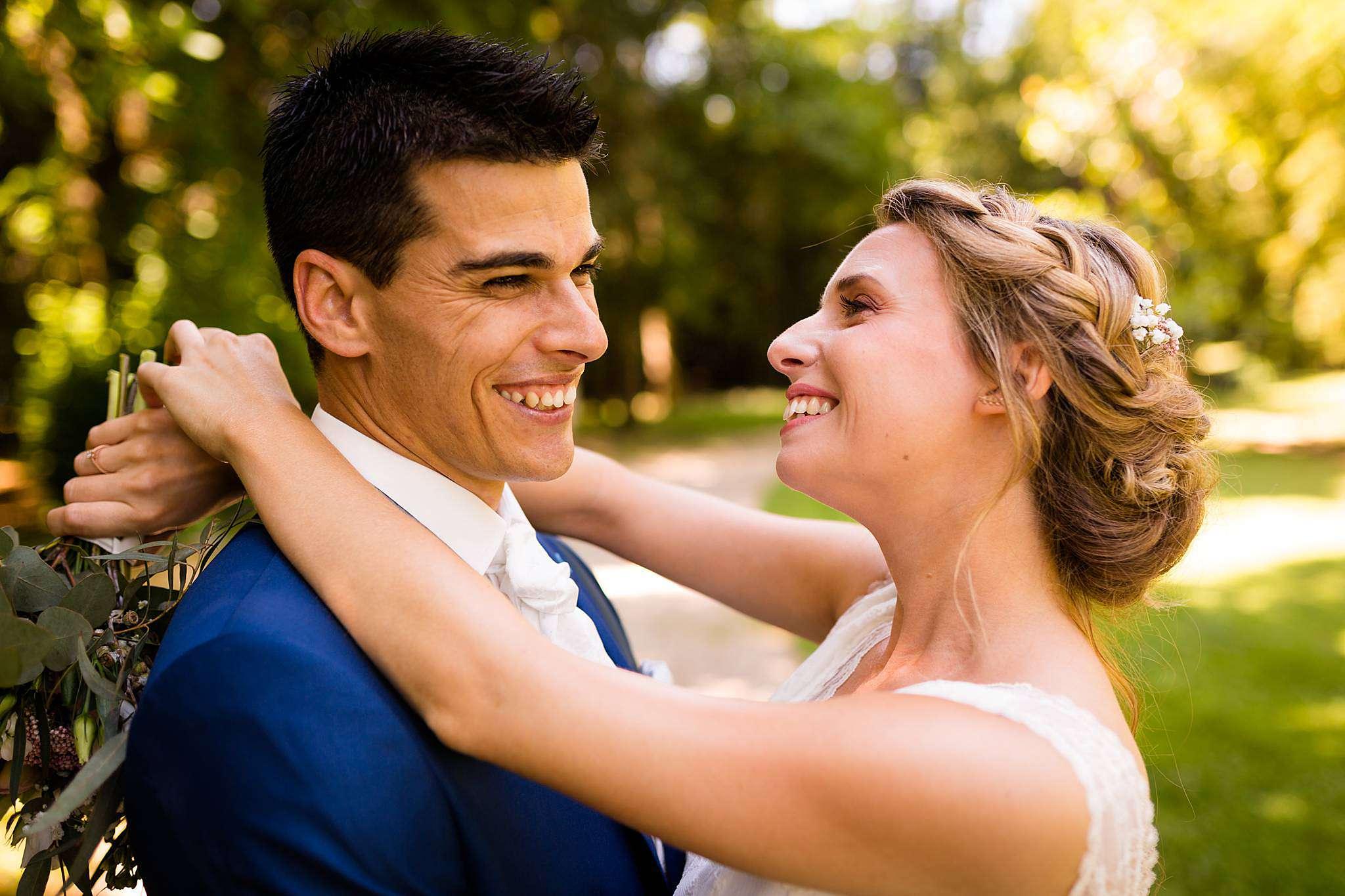 Photographe mariage et couple à la Chartreuse des Eyres à Podensac.