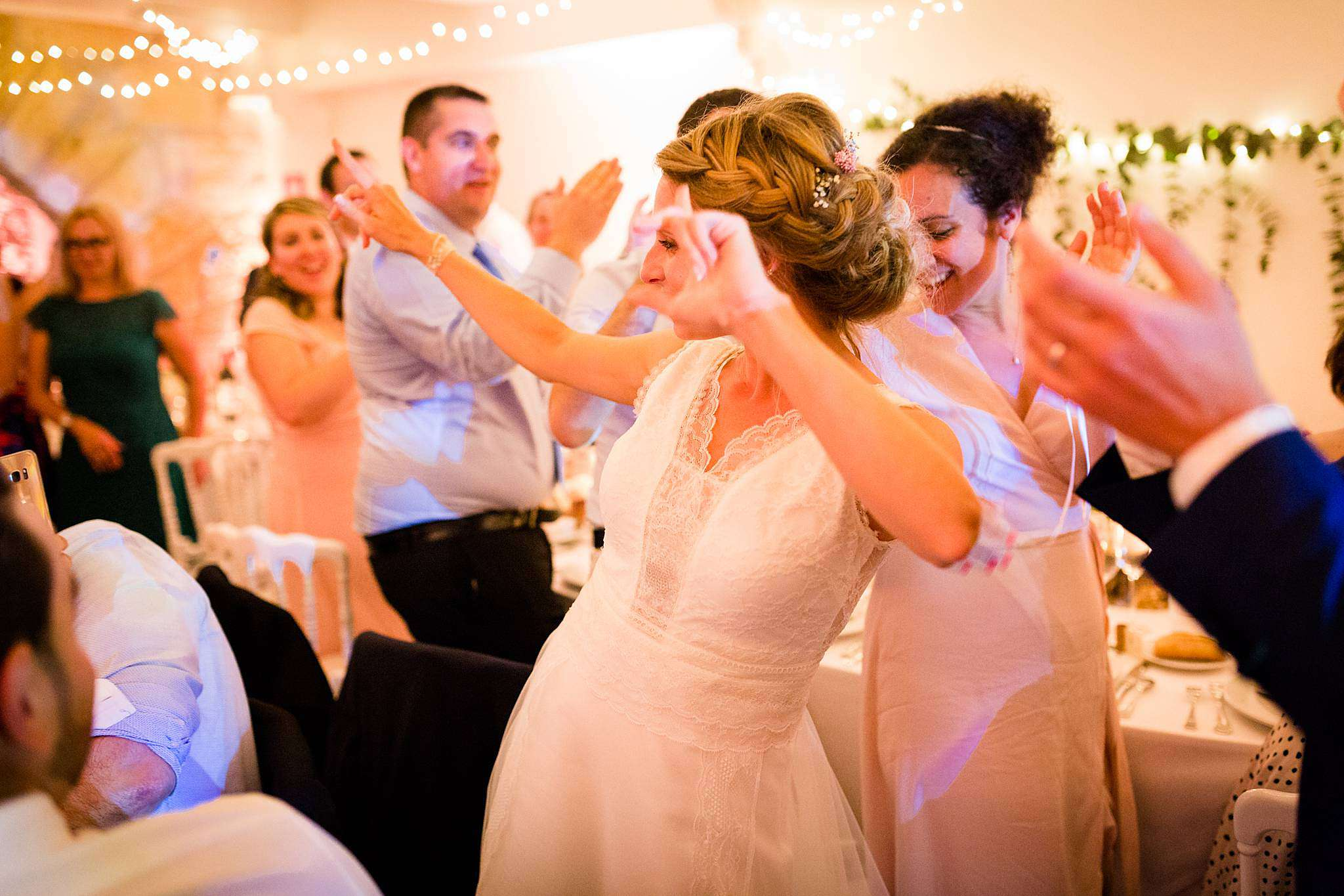 Photos de soirée de mariage à la Chartreuse des Eyres à Podensac.