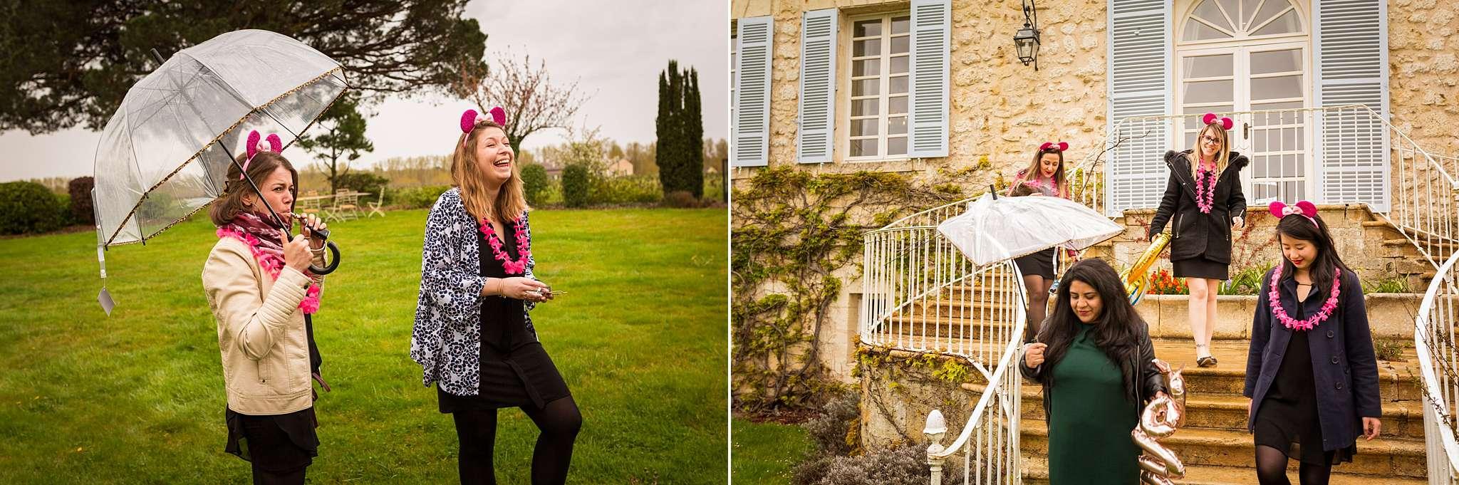 Séance EVJF d'EVA au Château de Camensac, pour des photos originales et funs ! Alexandre Roschewitz, Photographe mariage au Château de Camensac.