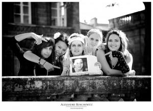 Les photos de l'enterrement de vie de jeune fille (EVJF) de Sophie à Bordeaux, avant son mariage le 20 juillet !