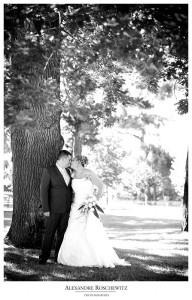 alexandre roschewitz photographies,bouquet,couple,fleur,parc mauresque,mariage,photographe mariage,photographies,photos de couple,arcachon
