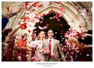 Teaser du mariage de Claire et Chuck. Préparatifs à Saint-Jean d'Angely, mariage à Saint-Denis du Pin, réception au château La Roche Courbon à Saint-Porchaire.