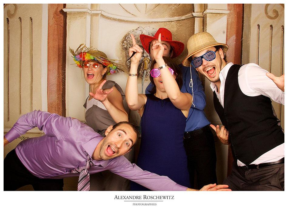 Photographe de mariage à Gigondas – La Ferme du Pezet – Albane et Christophe, le Photobooth !