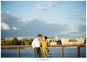 Les photos de la séance engagement de Paméla et Patrice à Bordeaux centre, avant leur mariage à Biganos. Alexandre Roschewitz Photographies.