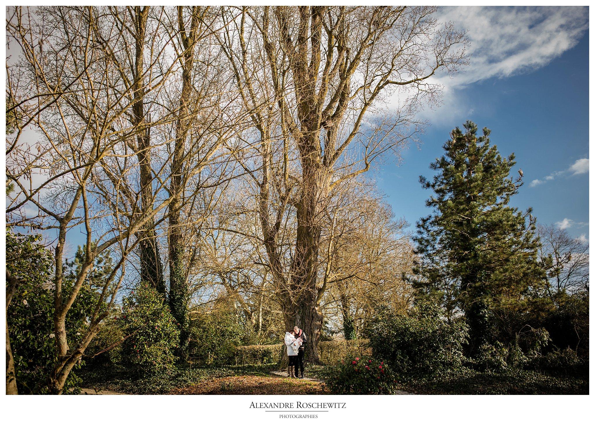 Photographe famille au parc floral de Bordeaux – Sandy + Gabriel = Tess