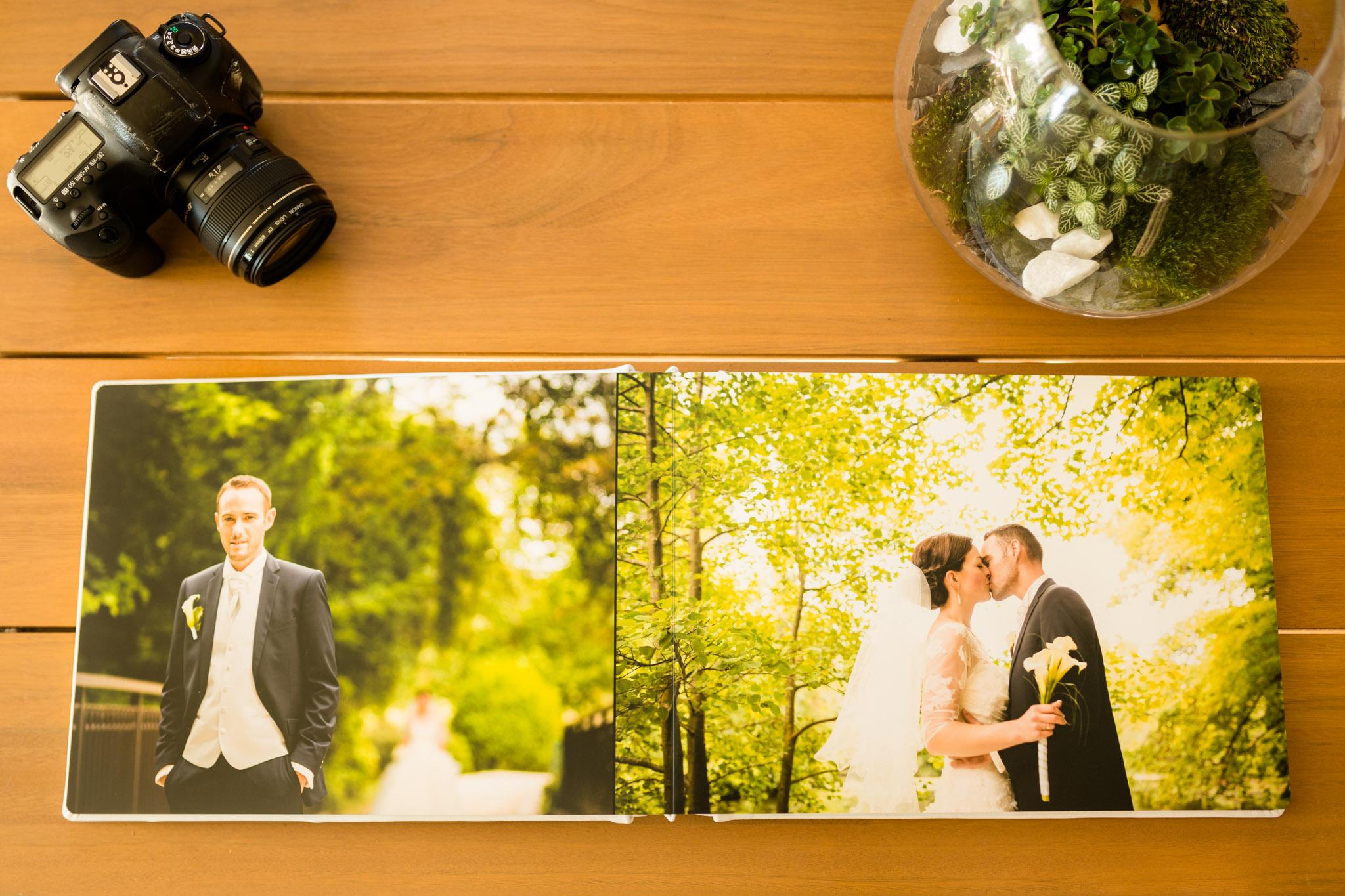 Livre photo mariage haut de gamme et naturel en cuir, fait en france, mise en page personnalisée, photographe bordeaux gironde