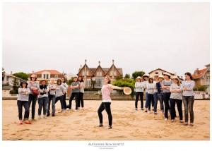Les photos de la séance EVJF de Katell à Arcachon, avec ses 16 amies. Alexandre Roschewitz, Photographe mariage à Arcachon
