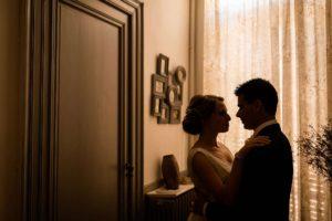 Photos de mariage et couple intimes à la Chartreuse des Eyres à Podensac.