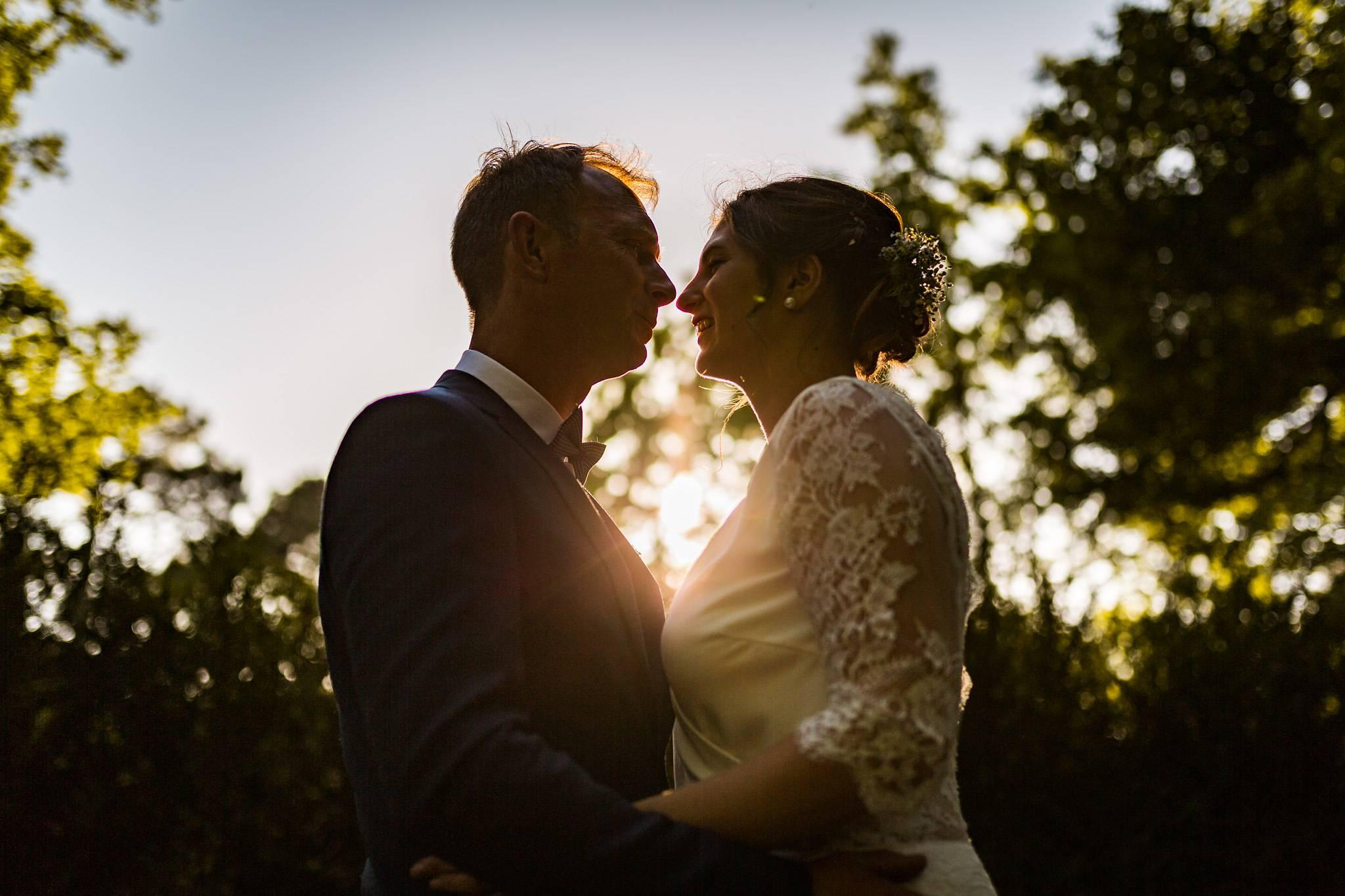photo de couple couche du soleil