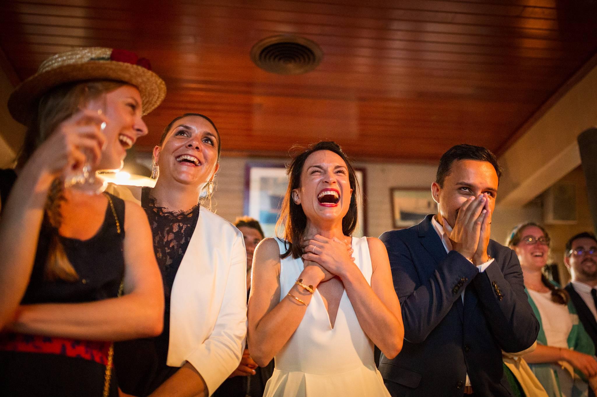 Un teaser des photos du mariage de Sophie et Nicolas à La Maison du Bassin et Chez Boulan, au Cap Ferret. Avec cérémonie laïque au bord du Bassin d'Arcachon.