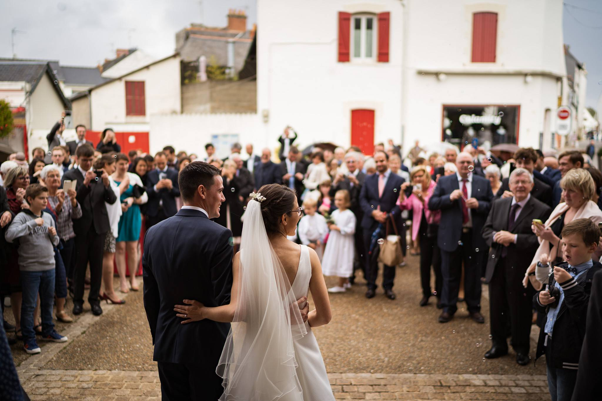 Un teaser du mariage civil et Religieux au Pouliguen en Loire-Atlantique, puis au Château de Villeneuve à Guérande. Sans oublier le Brunch !