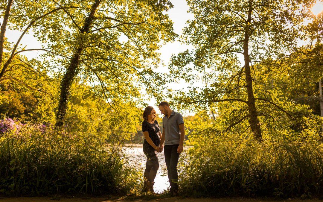 Photos de grossesse au Parc de Majolan  – Maud + Anthony