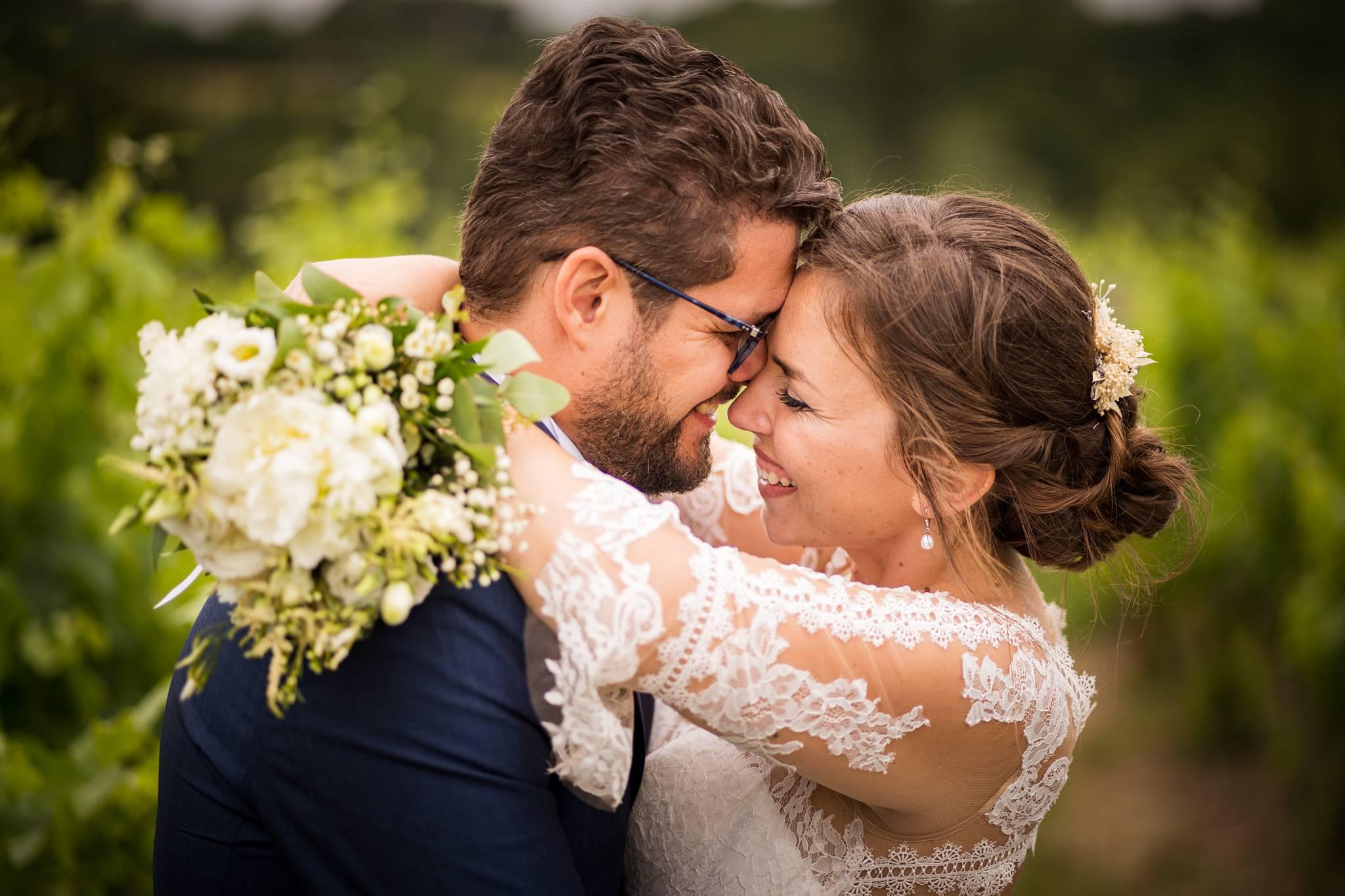 Le teaser du mariage civil et religieux de M+F à Salleboeuf puis au Château de La Loubière à Bonnetan. Alexandre Roschewitz Photographe Mariage.
