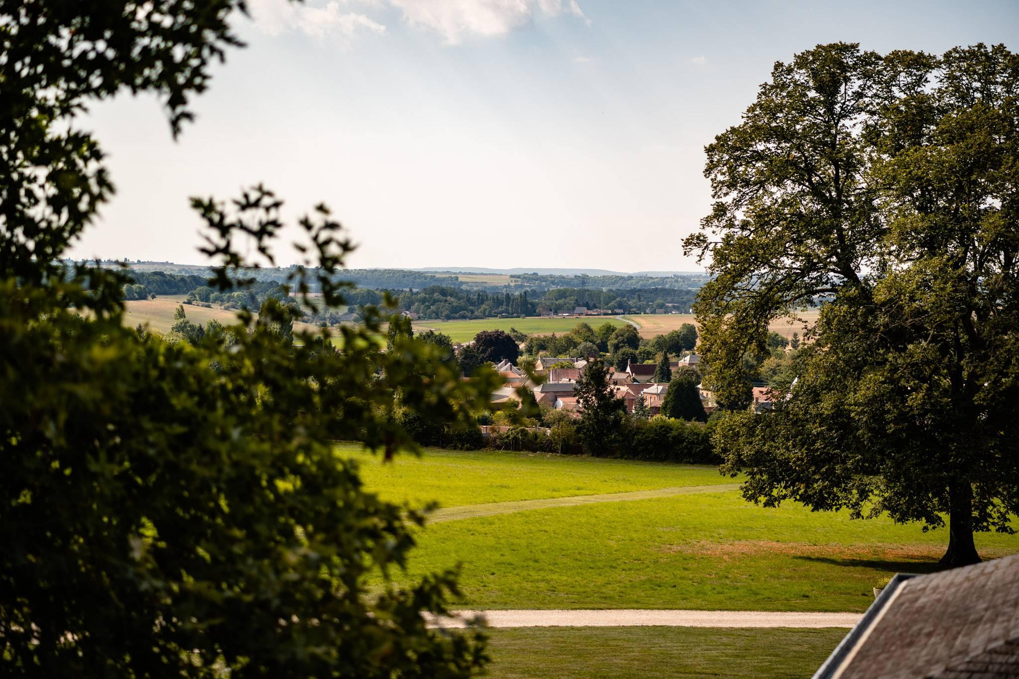 Le reportage mariage religieux à Saint Crepin Ibouvillers de E+A puis au Domaine de Montchevreuil. Alexandre Roschewitz Photographe Mariage dans le Vexin.