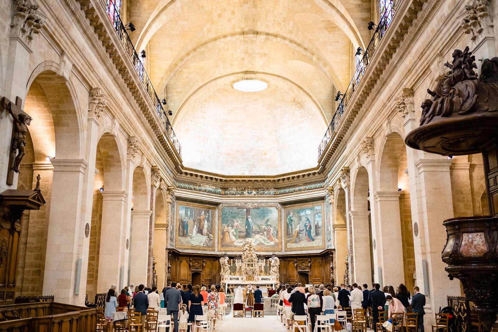 Le teaser du reportage photo de mariage religieux d'Alice et Xavier à Bordeaux centre, à l'Eglise Notre-Dame-de-Bordeaux puis au Château Flojague.