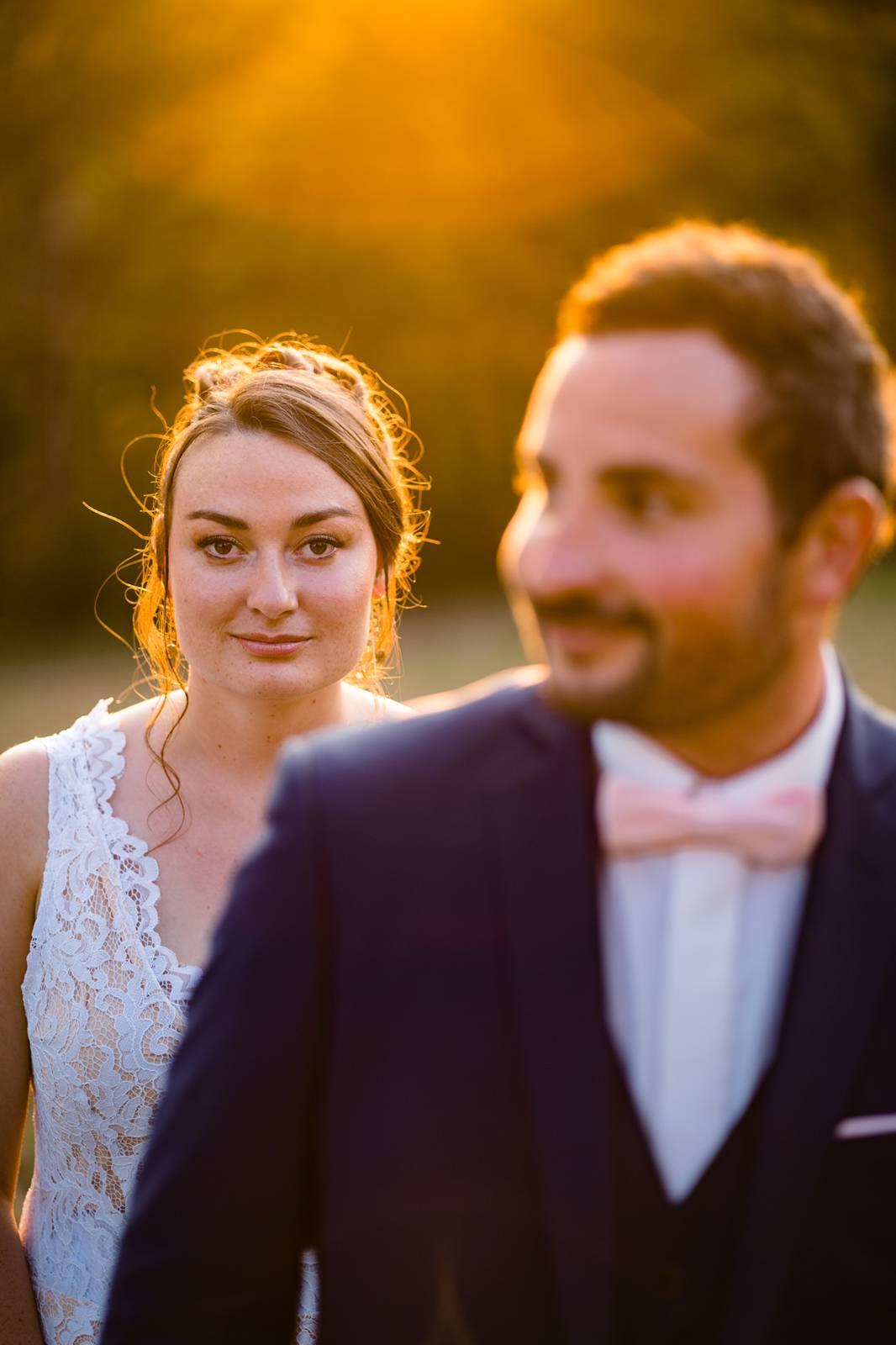 Le teaser du reportage photo de mariage religieux d'Alexiane et Antoine à Castillon-La-Bataille, à l'Eglise Saint-Symphorien, puis au Domaine de Millanges.