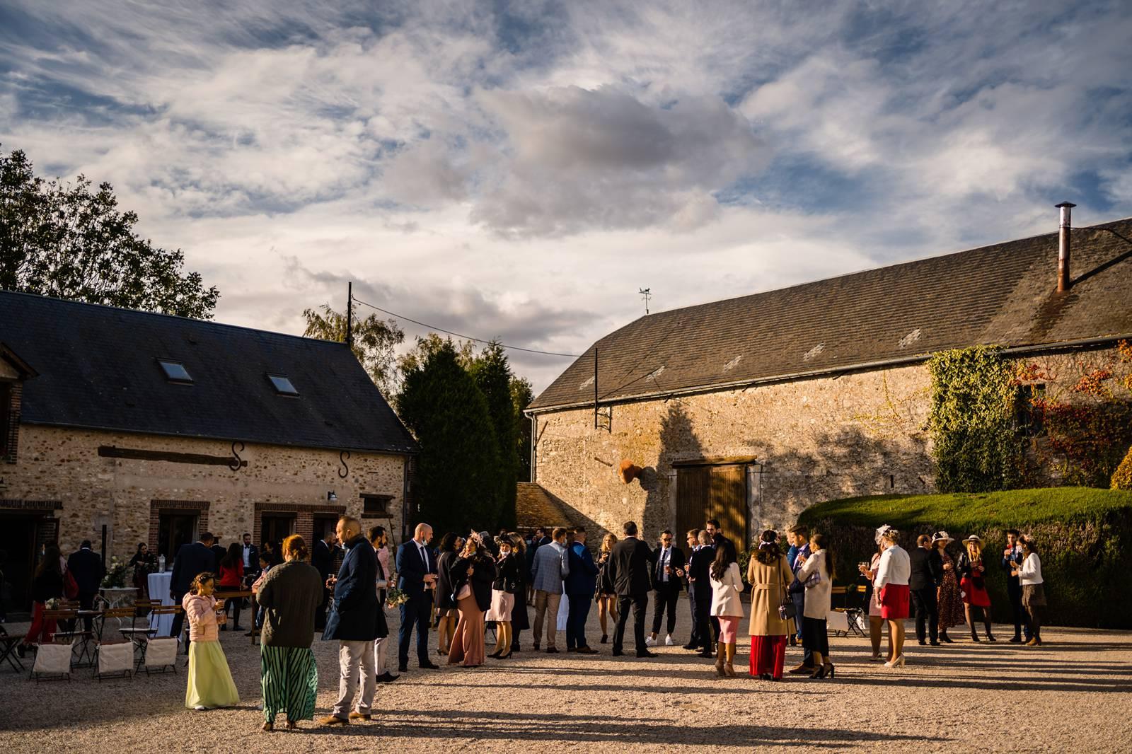 Le teaser du mariage religieux de M+V dans les Yvelines à Gometz-le-Chatel, à l'Eglise de Briis-sous-Forges et au Domaine de La Ferme du Parc de Chatignonville.